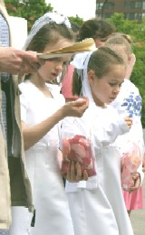 More First Communicant Girls (Archdiocesan Corpus Christi Procession 2005)